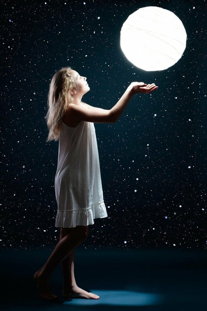 月と女の子 Zoom用背景